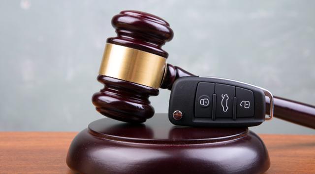 Как делится машина при разводе, если она в кредите?
