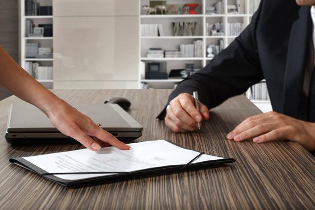 Можно ли и как расторгнуть договор купли-продажи мебели?