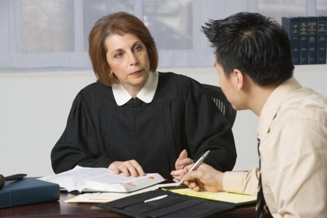 Особенности оспаривания незаконного увольнения в суде