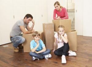 Как выселить квартирантов, которые не платят: если нет договора, без суда, с детьми, зимой