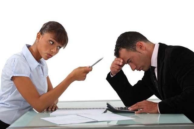 Уволили с работы без причины: что делать, куда обращаться