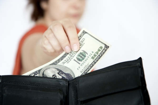 Алименты с черной зарплаты: как получить в 2020 году?