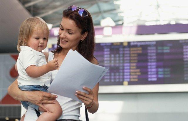 Вывоз ребенка за границу без разрешения отца: возможно ли это в 2020 году